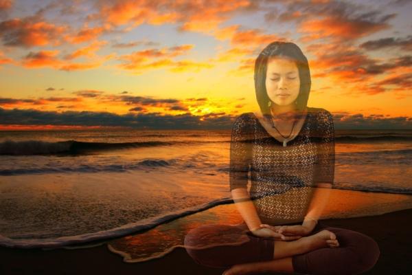 Medita al tramonto