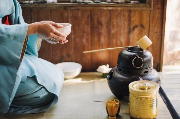 Gli strumenti per il tè giapponese